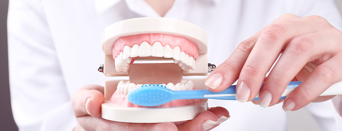 Dormir con la dentadura postiza